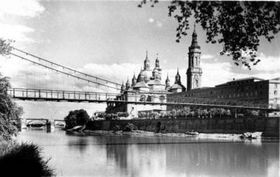 Pasarela sobre el río Ebro