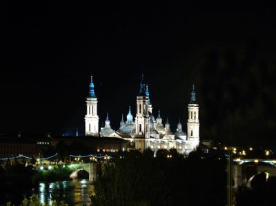 El Pilar iluminado