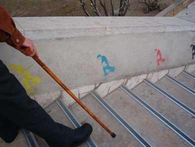 Siguiendo al pequeño<p> graffiti